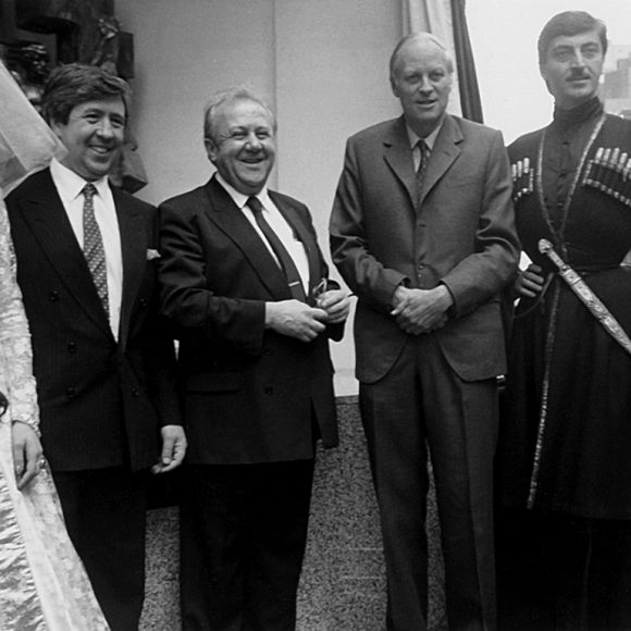 With the dancers of the Sukhishvili Georgian National Ballet at the unveiling of Break the Wall of Distrust in London. 1990